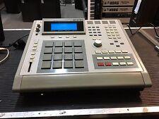 AKAI MPC 3000 32 meg drum sampler /PADS/ v 3.11 Floppy  //ARMENS//