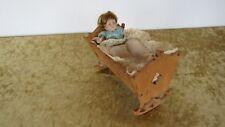 Puppen Wiege aus Holz mit Celluloid Puppe Buschow & Beck f. Puppenstube um 1910