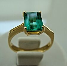 Stunning 1.60 ct Solitaire Natural Colombian Emerald Ring 18K Yellow Gold.