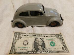 VINTAGE  ARNOLD'S 1952 SPLIT WINDOW VW BUG TIN FRICTION CAR MADE IN WEST GRMNY