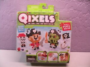 Qixels Build A Pixel World Make Spray Play Theme Pack Pirates SEALED