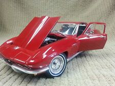 MAISTO 1965 CHEVROLET CORVETTE RED STING RAY 1:18 DIECAST (NO BOX) Ships Free!