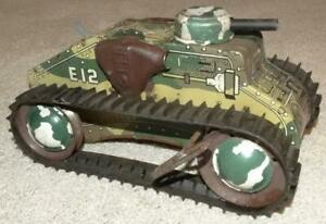 VINTAGE MARX SPARKLING CLIMBING FIGHTING TANK, WIND-UP