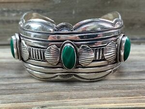 Beautiful Native American Navajo Sterling Silver & Malachite Cuff Bracelet