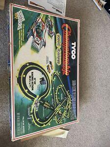 Original Vintage Tyco Nite Glow Racing Set #8210 2 lighted Curve Hugger HP Cars