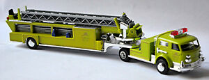 American Lafrance Firetruck Carro No.24 Fire Departamento Verde 1:87