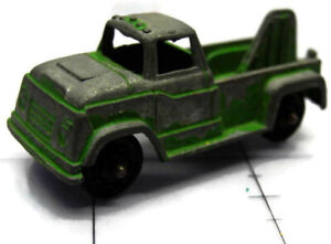 Vintage Tootsie Toy Tow Truck Diecast Metal Green