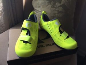 Pearl Izumi Tri Fly SELECT v6 Triathlon Cycling Shoes - (For Women) Size US 6.5,