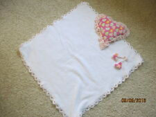 Traumhafte Babydecke mit Herz-Kissen Decke mit Spitze Weiß Rosa-neu