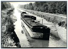 """France, La péniche """"Le Déclin"""" immobilisée dans le canal la Sambre  Vintage silv"""