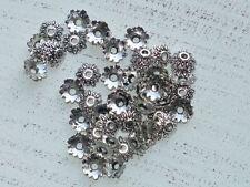 100 Metall Perlenkappen ca 8 x 2,5 mm Blume tibetischer Stil A1079