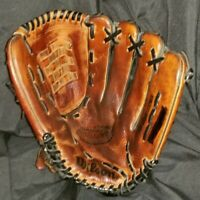 "Wilson A2161 AS14 12.5"" Leather Baseball Softball Glove Right Hand Thrower"