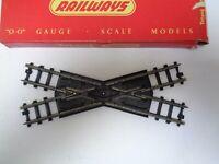 Vintage Triang OO Gauge R290 Diamond Crossing series3 Boxed
