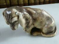 Skulptur eines Hundes, Beagle ? um 1900. Fritz Kochendörfer. Höhe ca. 7cm