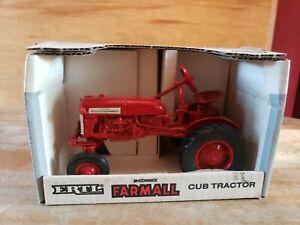 1990 ERTL 1/16 INTERNATIONAL FARMALL CUB TRACTOR FARM TOY IN BOX #235 NEW IN BOX