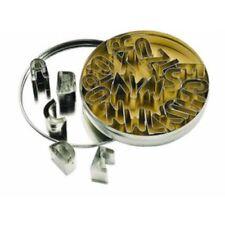 Emporte-pièces et découpoirs forme lettres en métal