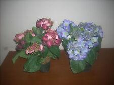 2 vasi di fiori di ortensie o similare  in plastica