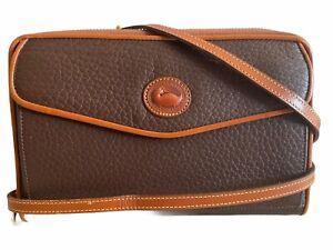 Vintage Dooney & Bourke - Zip-Along Crossbody Wallet Purse Clutch / Flap Pocket