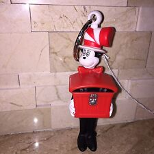 BURGER KING THE CAT IN THE HAT KEY RING CHAIN FIGURE NONWORKING