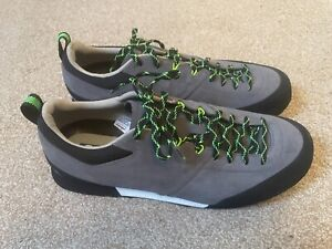 BRAND NEW - PERFECT CONDITION - SCARPA KALIPE APPROACH SHOE SIZE 10.5