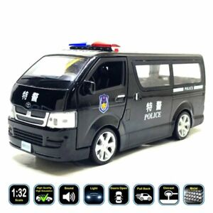 1:32 Toyota HiAce (Van)(Police & Ambulance) Diecast Model Car Toy Gifts For Kids
