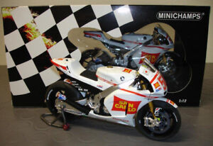 Marco Simoncelli MINICHAMPS 122111158 HONDA RC212V REMEMBRANCE