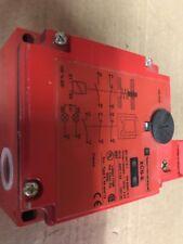 TELEMECANIQUE XCS-E7333 SAFETY INTERLOCK SWITCH 110/120v
