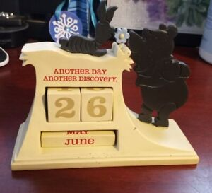 Hallmark Disney Pooh Winnie The Pooh Perpetual Calendar Date Piglett Month Daily