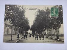 CPA 47 - Marmande - boulevard NEYNIEL  très animé