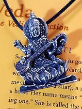 Indio Dios Sarswati de la Artes Sabiduría Devi Colgante Cordón Encaje