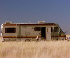 Breaking Bad UNSIGNED photograph - M406 - Scene - NEW IMAGE!!