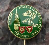 1986 Czech Regional Hunting Dog Show Pardubice Hound Hunter Hunt Pin Badge