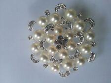 Crema Perlas de Imitación Chapado en Plata Grande & Diamantes de Imitación de Cristal Flor Broche Pin