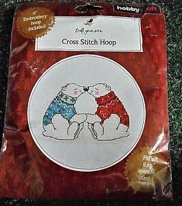 Cross stitch kit  Hobbycraft  Christmas polar bears BNIP with hoop