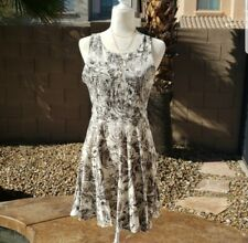 c959a5682e95 NEW Ivory & Black Floral Printed Fit & Flare Dress Infinity Raine Large