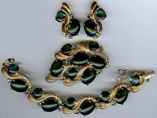 SCHIAPARELLI VINTAGE EMERALD GREEN GLASS RHINESTONE BRACELET PIN & EARRINGS SET