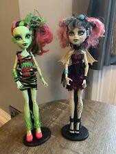 Monstruo ALTO MUÑECA Zombie Shake Rochelle Goyle & Venus Mcflytrap gran condición