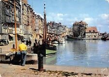 BT6001 Honfleur bassin de l Ouest et quai sainte catherine ship bat       France