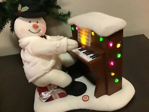 Hallmark 2005 Jingle Pals Snowman Piano Singing Playing Lights Up with Batteries