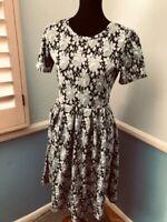 LULAROE AMELIA Pleated Dress with Pockets: Black / Grey Floral Print - L