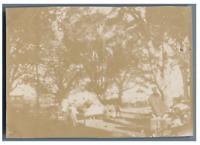 Madagascar, Majunga pendant la peste de 1902 vintage citrate print par Jules Rou
