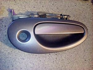 98-04 300M INTREPID CONCORDE FRONT RIGHT OUTSIDE EXTERIOR DOOR HANDLE OEM