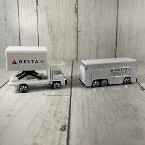 Delta Airlines Airport Double Decker Passenger Bus And Food Truck Realtoy Two