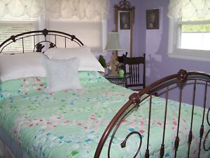 """Vintage Quilt Cottage Country Charm 87x70"""" Green With Florals Pastels"""