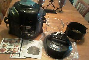 NINJA FOODI 6.5 QT 9-IN-1 OP300 AIR FRYER PRESSURE COOKER ETC - BLACK / GRAY