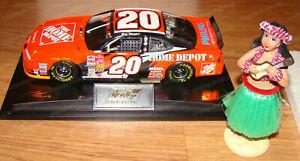 Tony Stewart #20 Home Depot Hula Girl Bobble 2002 Revell Raced Version 1 of 8358