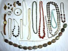 Lot de bijoux fantaisie mixte collier montre bracelet ceinture broche pendentif