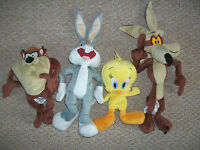 A Looney Tunes soft toy Sylvester/Daffy/Tweetie Pie/Taz/Bugs Bunny/Wile e coyote