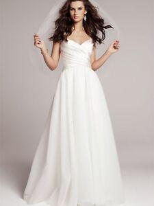 Amsale Nouvelle Sample Wedding Dress - never been worn/altered!