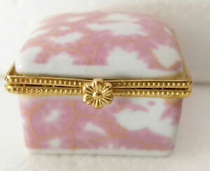 Porcelain jewelry box painted pink pictures very nice don't miss this nice it s